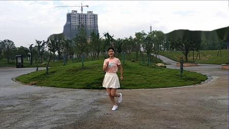 梅子广场舞 网红简单32步《你是我的妞》