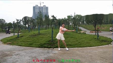 梅子广场舞  网红流行摆胯52步子舞《磕儿》