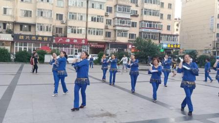 哈尔滨市金色阳光广场舞【站着等你三千年】录制_朱志忠