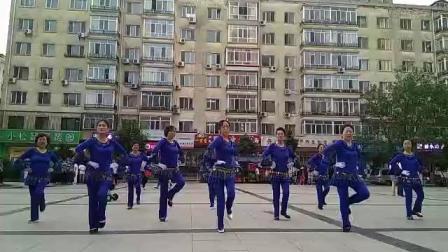 广场舞《小小新娘花》舞蹈编排_维尼