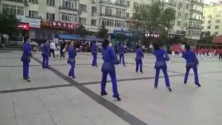 哈尔滨市金色阳光广场舞《站着等你三千年》团队演示