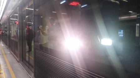 南京地铁三号线(7.12末班063064)进南京南站。