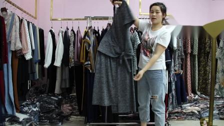 2019年最新精品女装批发服装批发时尚服饰时尚女士新款夏装两件套套装特价走份20件一份,视频款可挑款零售混批.mp4
