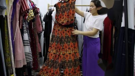 2019年最新精品女装批发服装批发时尚服饰时尚女士新款夏装套装两件套特价走份20件一份,视频款可挑款零售混批~1.mp4