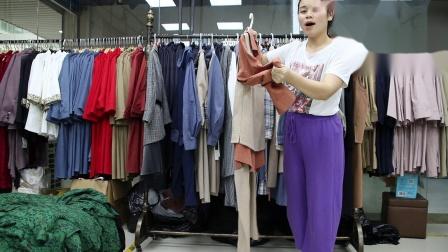 2019年最新精品女装批发服装批发时尚服饰时尚女士新款秋装两件套三件套20件起批,视频款可挑款零售混批.mp4
