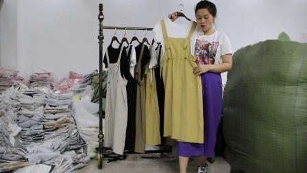 2019年最新精品女装批发服装批发时尚服饰时尚女士新款夏装两件套20套起批,视频款可挑款零售混批.mp4
