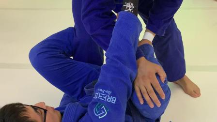【洛阳巴西柔术学院】德拉扫接切膝过腿19.7.19