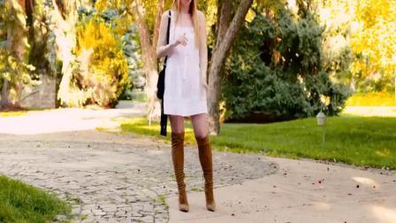 金发褐色长靴