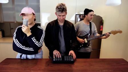 【In The Kitchen第四弹】M4SONIC和朋友Alex Hosking与Jethro纯娱乐制作,小姐姐莫名有些害羞呢