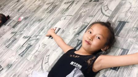 武宣县华艺舞蹈中国舞暑假班课堂视频