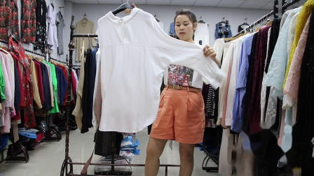 2019年最新精品女装批发服装批发时尚服饰时尚女士长袖小衫上衣特价走份20件一份,视频款可挑款零售混批~1.mp4