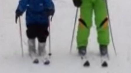 多多人生第一次滑雪