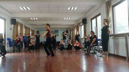 藏族舞:浪拉山情