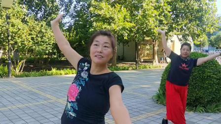 星舞奇缘舞队晨练