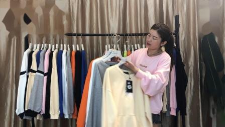 新款大版潮流时尚卫衣,宽松大版可以穿到140件,29.8元一件,30件一份