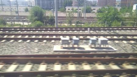 D2570进兰州西站