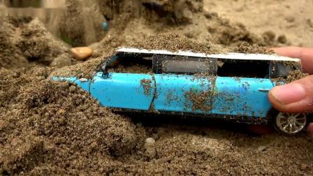 玩具车在沙地上搜索儿童玩具81儿童工作室