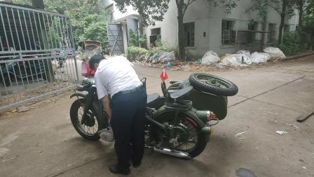 踏脚石边三轮摩托车,喜欢的长江750的有吗?