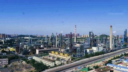 中国石化集团济南炼油厂日转夜航拍:搬不搬是个大问题!