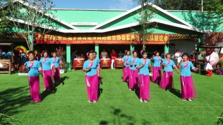 庆祝新中国建国70周年套外村广场舞联谊会之云燕飞舞健身队健身舞蹈《最美的中国》片段