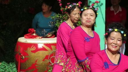 庆祝新中国建国70周年套外村广场舞联谊会之珍珠乐园健身队舞蹈《郎在高山打一望》片段