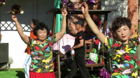 庆祝新中国建国70周年套外村广场舞联谊会之李英广场舞队健身舞蹈《中国广场舞》片段