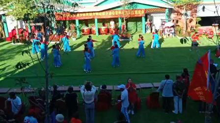 庆祝新中国建国70周年套外村广场舞联谊会之套外村健身队健身舞蹈《站着等你三千年》片段