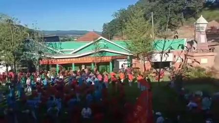 庆祝新中国建国70周年套外村广场舞联谊会之结尾大团体圈圈舞蹈《欢乐的海洋》片段