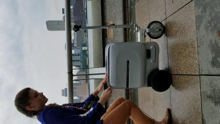 爱尔威airwheel  SE3电动骑行行李箱抖音款源视频