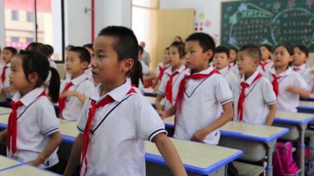 与新中国共成长 争当新时代小先锋
