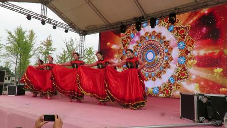 不忘初心牢记使命祖国在我心中文体展演宗裕爱心艺术团表演的舞蹈《我和我的祖国》片段