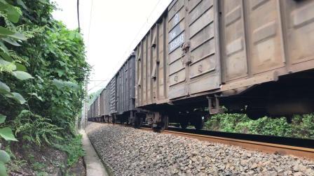 成渝铁路长河碥方向下行货列