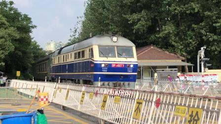 t237次昆山-重庆西通过中和桥道口