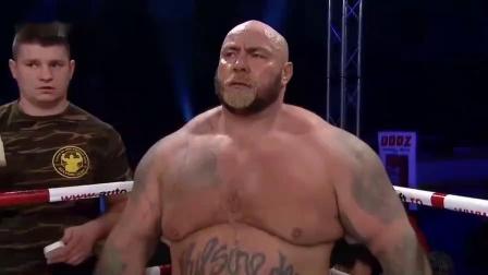 MMA比赛里的两大终极斗士,这一拳,地心引力都拉不出我了!