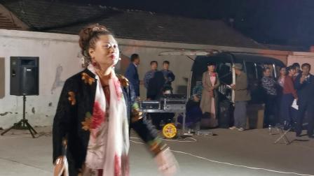 CCTV牛恩发现之旅:京城文化下乡小品热(昌平赖马庄)。