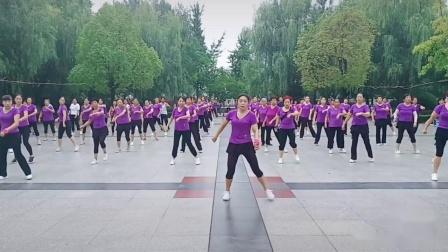 莉莉广场健身操