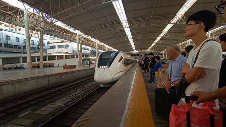 城际列车进郑州站
