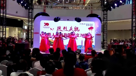 1.金坛区排舞协会全民健身成果展示节目:金沙广场红歌红舞健身舞蹈队《祖国万岁》