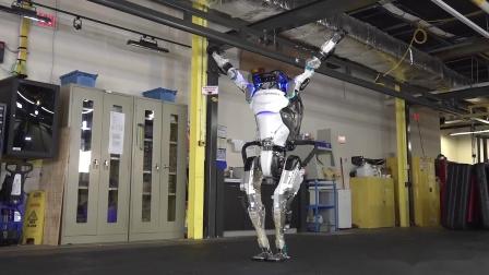 Atlas机器人玩体操
