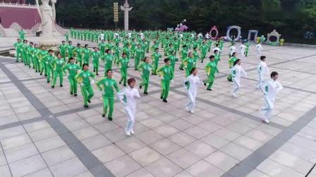 神鹤起飞科学运动健身操(舞)第七套_高清(3)