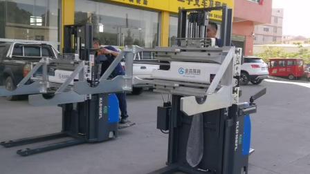科力仓储叉车配上属具解决客户特殊工况空间问题,提高效率!