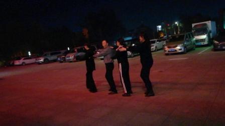 洪兰广场舞:水兵舞第二套