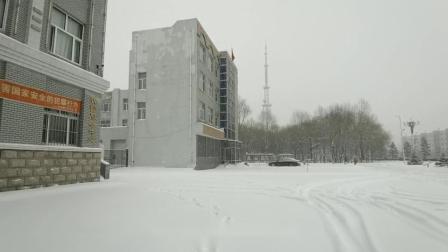 风雪中的坚守