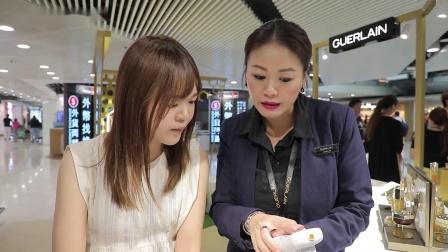 香港国际机场广告参考: Guerlain黃金美容互动体验区