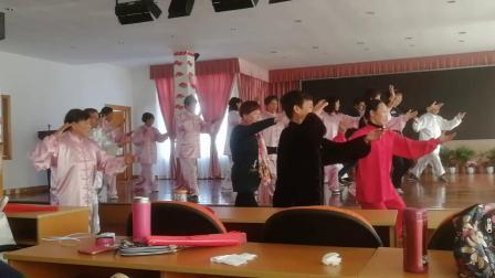 金山廊下太极拳培训班集体演练28式杨氏太极拳