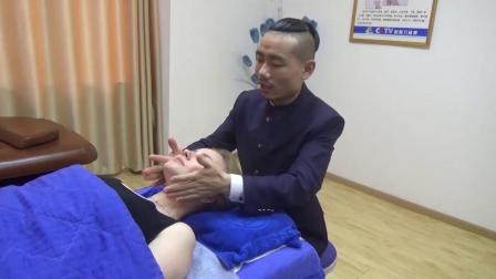 中医徒手整形培训王红锦帮助老外徒手整形