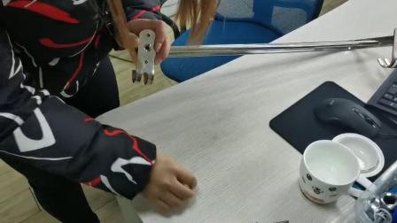 方杆双管毛巾架安装视频