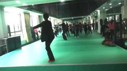 藏舞《为你等待》背面演示:张永红老师
