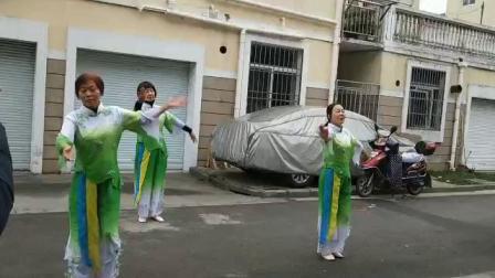 大盈民惠一区聚会点姐妹舞蹈《在你的爱里》。