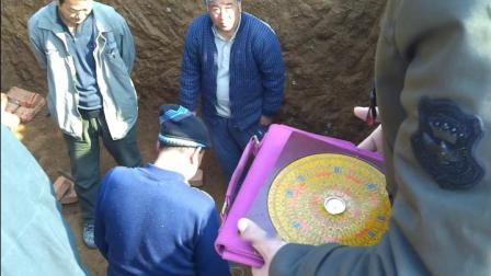 山东风水师亓英照在淄博淄川分金定向